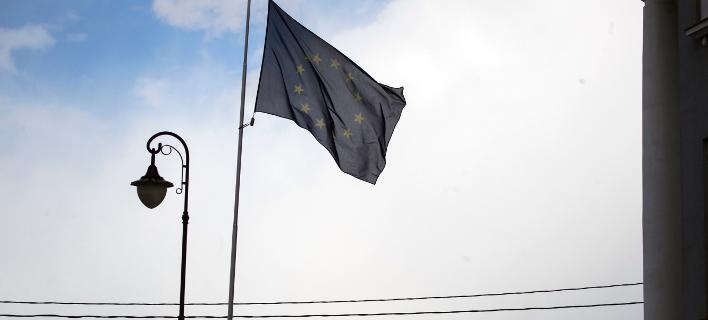 Η ΕΕ παρέτεινε για ένα χρόνο τις κυρώσεις κατά της Κριμαίας (Φωτογραφία: AP Photo/Pavel Golovkin)
