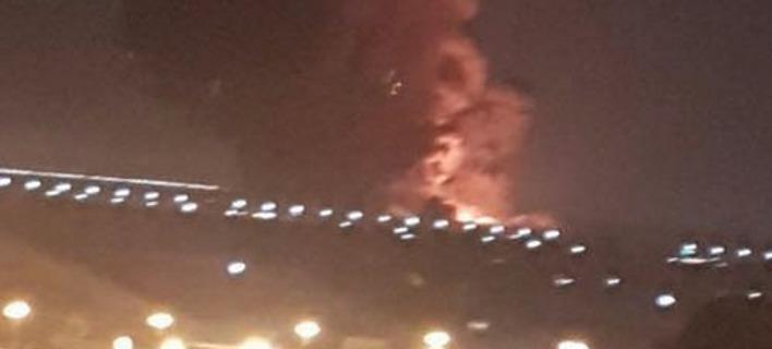 Αίγυπτος: Εκρηξη και πυρκαγιά σε δύο δεξαμενές καυσίμων στο αεροδρόμιο του Καΐρου -12 τραυματίες
