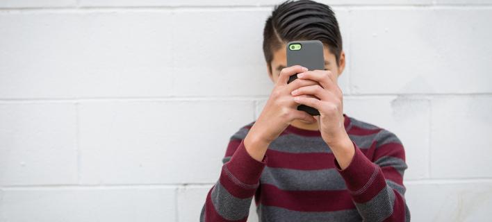 Πατέρας δημιούργησε εφαρμογή που χτυπάει συναγερμό όταν δεν σηκώνει το κινητό ο γιος του