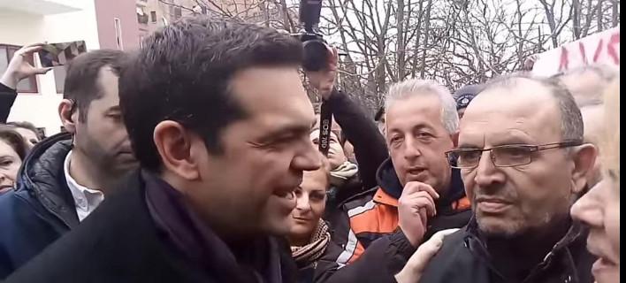 Τσίπρας: «Δεν προέτρεψα τους πολίτες να μη διαβάζουν εφημερίδες» -Τι είχε πει προ ημερών [βίντεο]