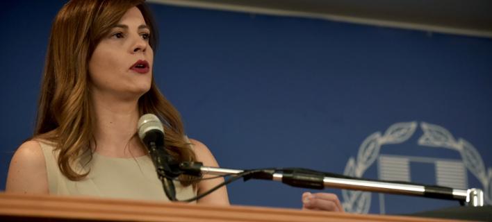 Η υπουργός Εργασίας Έφη Αχτσιόγλου. ΦΩΤΟΓΡΑΦΙΑ: EUROKINISSI /ΜΠΟΛΑΡΗ ΤΑΤΙΑΝΑ