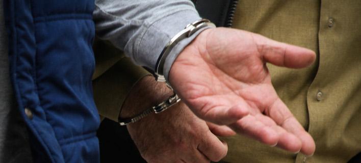 Εγκληματική ομάδα αποκόμισε 180.000 σε βάρος του ΙΚΑ -Υπάλληλος της Βουλής ανάμεσά τους