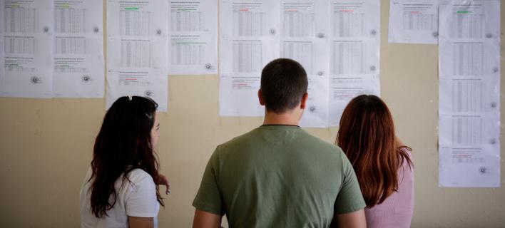 Εγγραφές φοιτητών (Φωτογραφία: EUROKINISSI/ΣΤΕΛΙΟΣ ΜΙΣΙΝΑΣ)