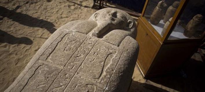 Σπουδαία ανακάλυψη: Βρήκαν αρχαία πόλη των νεκρών στην Αίγυπτο, με σαρκοφάγους και θησαυρούς [εικόνες]