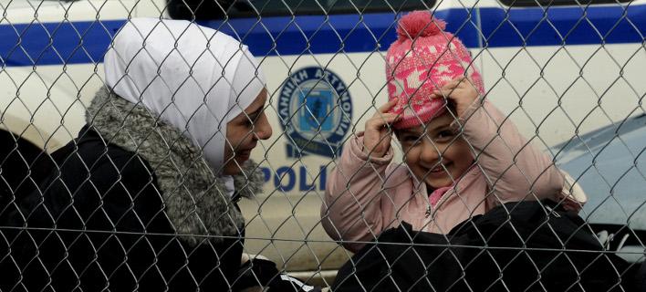 Μόνο 22 πρόσφυγες πέρασαν τα σύνορα Ελλάδας-ΠΓΔΜ χθες