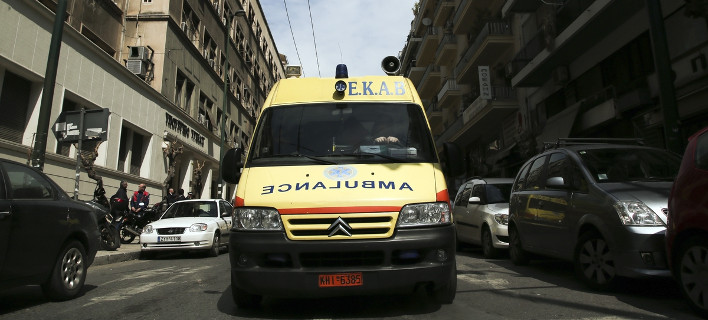 Ανατράπηκε όχημα στην Περιφερειακή οδό -Ενας τραυματίας/ Φωτογραφία: Nikos Libertas/SOOC