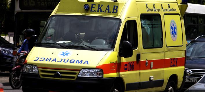 Θεσσαλονίκη: Βαριά τραυματισμένος 45χρονος που έπεσε από την ταράτσα του σπιτιού του /Φωτογραφία: ΚΟΝΤΑΡΙΝΗΣ ΓΙΩΡΓΟΣ/Eurokinissi