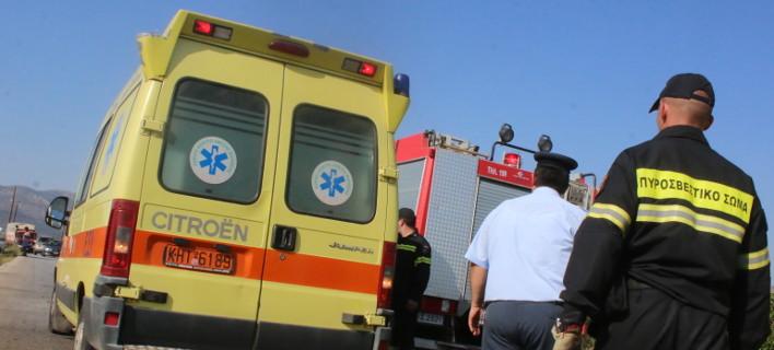 Σοβαρό τροχαίο στα Τέμπη τα ξημερώματα: Λεωφορείο συγκρούστηκε με ΙΧ