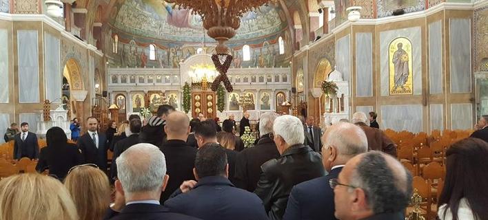 Πλήθος κόσμου στην κηδεία του εκδότη της εφημερίδας «Πελοπόννησος» Σπύρου Δούκα -Φωτογραφία:  patrastimes.gr