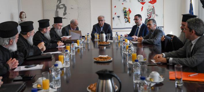Από τη συνάντηση στο υπουργείο Παιδείας / Φωτογραφία: Intimenews/ΒΑΡΑΚΛΑΣ ΜΙΧΑΛΗΣ