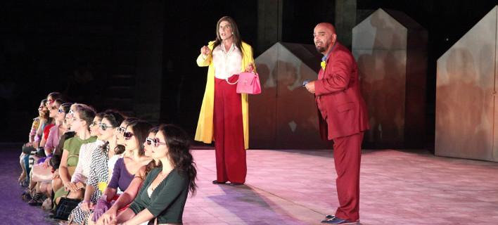 Κατάμεστο το αρχαίο θέατρο της Επιδαύρου -18.000 θεατές είδαν τις «Εκκλησιάζουσες» [εικόνες]