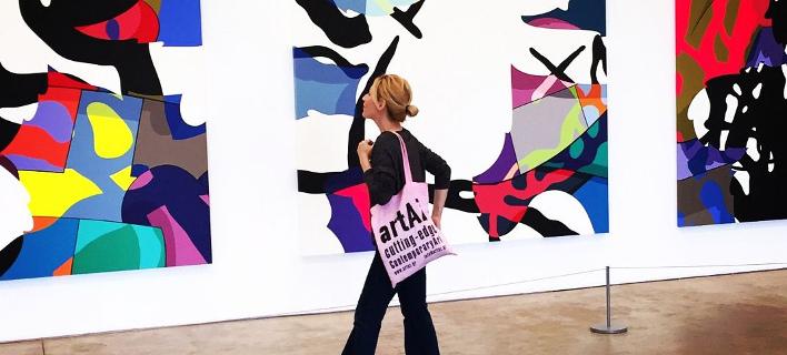 Στην «Εκπληξη» θα βρεις απίθανα έργα από Ελληνες καλλιτέχνες μόνο με 50 ευρώ [εικόνες]