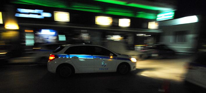 Ενοπλοι ακινητοποίησαν αστυνομικό και έκλεψαν αυτοκίνητο της Aσφάλειας στο Παλαιό Φάληρο
