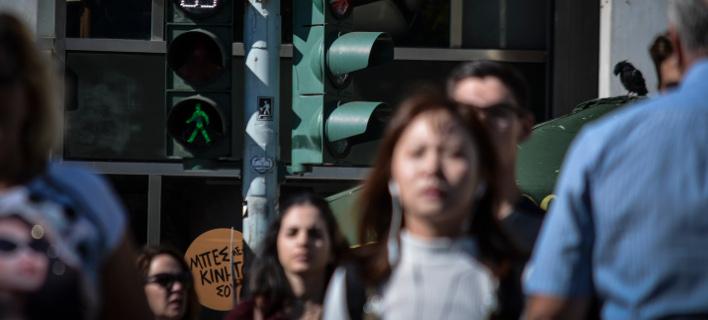 Με κατασχέσεις κινδυνεύουν όσοι μη μισθωτοί έχουν επιστροφές από τον συμψηφισμό εισφορών/Φωτογραφία: Eurokinissi