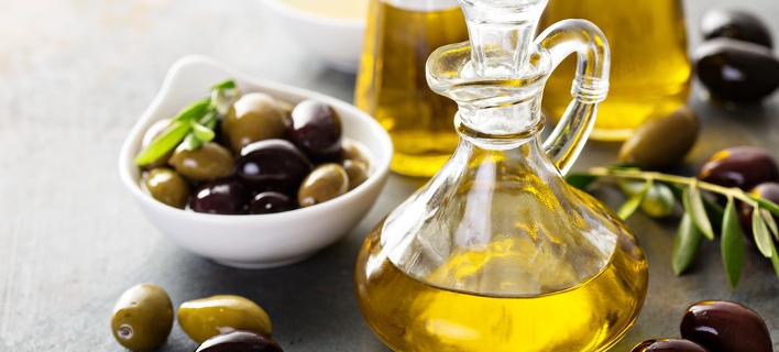 Ελιές και ελαιόλαδο (Φωτογραφία: Shutterstock)