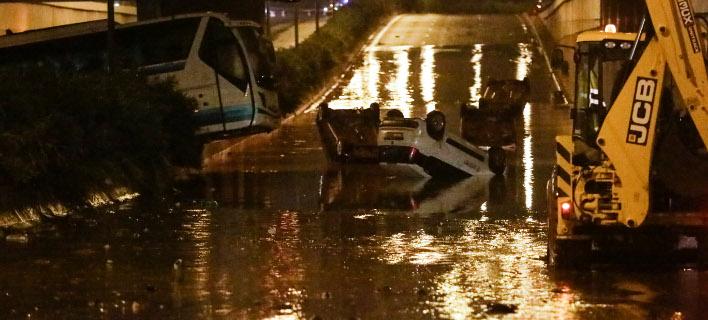 Αυξάνονται οι περιπολίες στη Μάνδρα -Σε συναγερμό η ΕΛΑΣ για πλιάτσικο