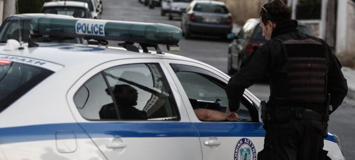 Εκαψαν δύο οχήματα στον δήμο Ζωγράφου (Φωτογραφία αρχείου: EUROKINISSI/ΓΙΩΡΓΟΣ ΚΟΝΤΑΡΙΝΗΣ)