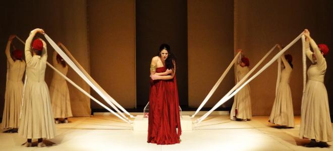 Η «Ελένη» του Ευρυπίδη μέσα από μια  νέα σκηνική ματιά στο θέατρο Κνωσός