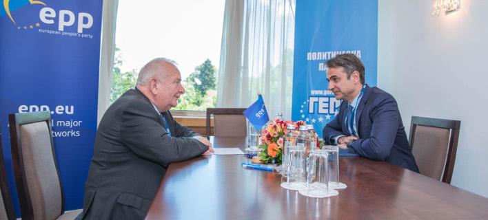 Με τον πρόεδρο του ΕΛΚ συναντήθηκε ο Κυριάκος Μητσοτάκης