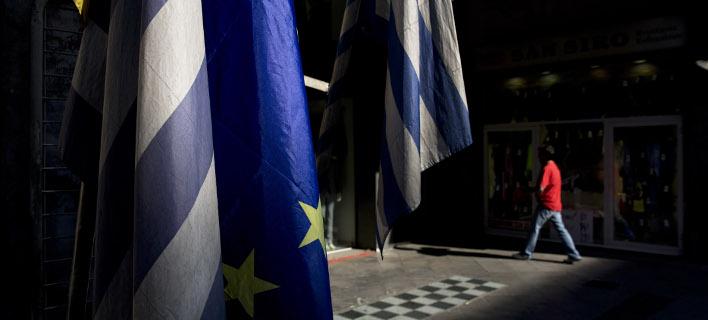 Οσο η τιμή του 10ετούς βρίσκεται πάνω από το 4%, η έξοδος είναι απαγορευτική / Φωτογραφία: AP Photo/Petros Giannakouris