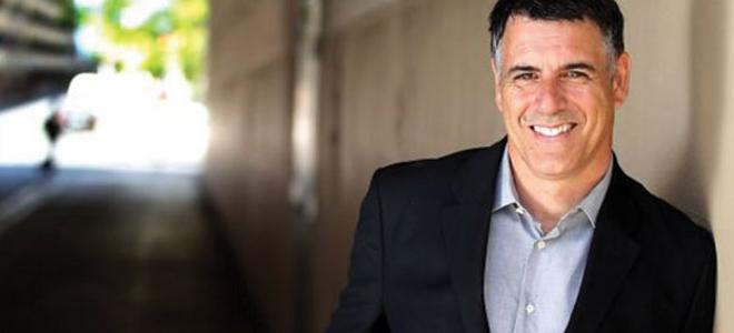 Ο γοητευτικός Ελληνας που στις ΗΠΑ  έσωσε ένα περιοδικό [εικόνες]