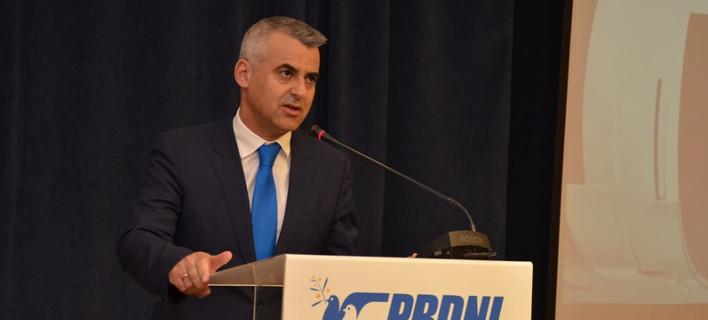 Ο ελληνικής καταγωγής παραιτηθείς βουλευτής Ευάγγελος Ντούλες