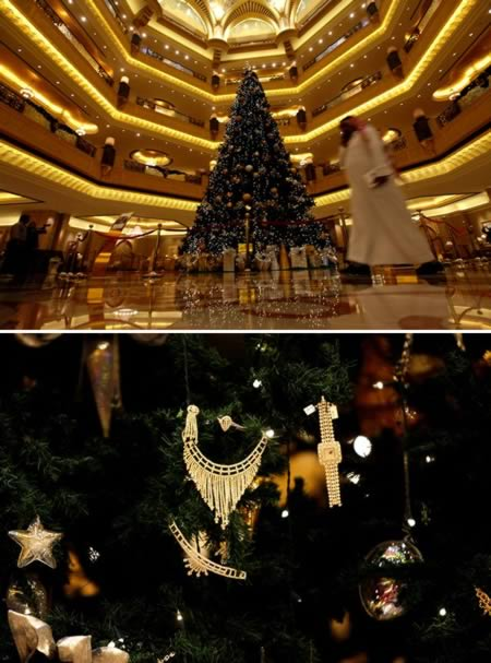 Εντυπωσιακά χριστουγεννιάτικα δέντρα