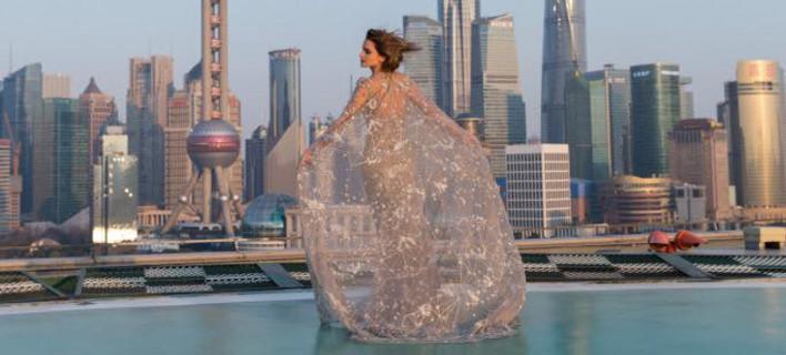 Η Εμμα Γουάτσον έβαλε το φόρεμα που δεν σκέφτηκε να βάλει καμιά στο Οσκαρ [εικόνες]