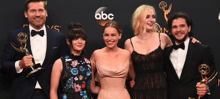 Βραβεία Emmy 2016: Σάρωσε το Game of Thrones και οι λαμπερές γυναίκες [εικόνες]