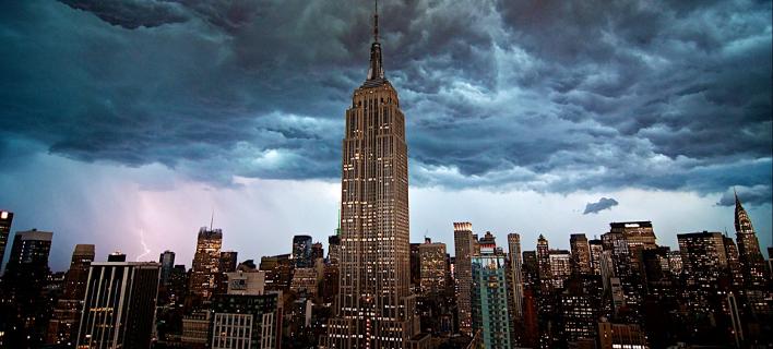 Αλήθεια ή μύθος: Μπορεί ένα νόμισμα που πέφτει από το Empire State Building να σκοτώσει κάποιον που περνάει από κάτω [βίντεο]