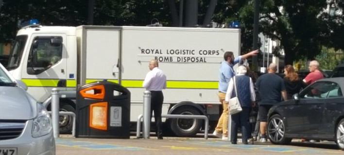Εκτακτο: Εκκενώνεται εμπορικό κέντρο στη Βρετανία -Βρέθηκε ύποπτη «ορφανή» βαλίτσα [εικόνες & βίντεο]