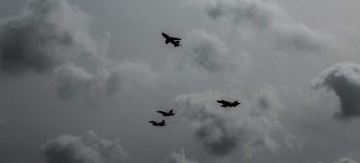 Συνεχίζουν τις προκλήσεις οι Τούρκοι: Εξι αεροσκάφη έκαναν 24 παραβιάσεις
