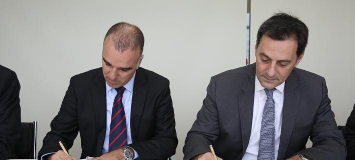 Ο διευθύνων σύμβουλος της Energean, Μαθιός Ρήγας (δεξιά) και ο πρόεδρος της Dorad, Erez Halfon