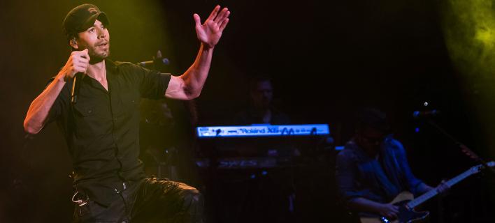 Ο Ενρίκε Ιγκλέσιας σε συναυλία του / Φωτογραφία: ΑΡ