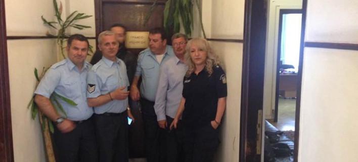 Ενστολοι εισέβαλαν στο γραφείο του Χουλιαράκη στο Λογιστήριο του Κράτους [εικόνα]