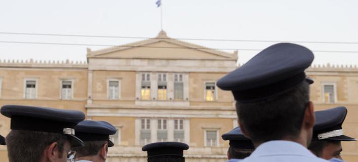 Κόβουν το δωρεάν εισιτήριο στους αστυνομικούς – Σε αναβρασμό οι ένστολοι -Τι δηλώνει στο iefimerida.gr συνδικαλιστής των αστυνομικών