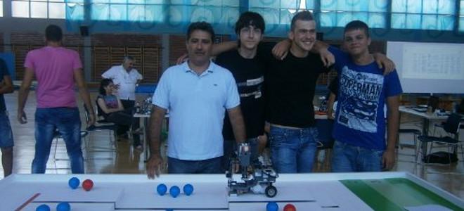 Από την Κρήτη στην Τζακάρτα -Η εφεύρεση των μαθητών από το Ηράκλειο στην Ολυμπιάδα ρομποτικής