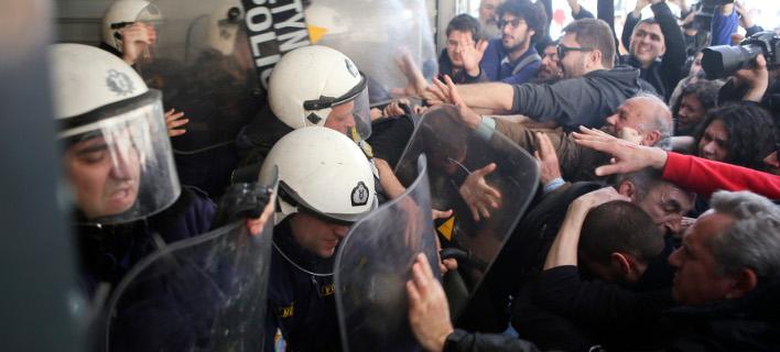 Αστυνομικοί Θεσσαλονίκης για τα επεισόδια σε συμβολαιογραφείο: Ντροπή, ο λόγος στη Δικαιοσύνη