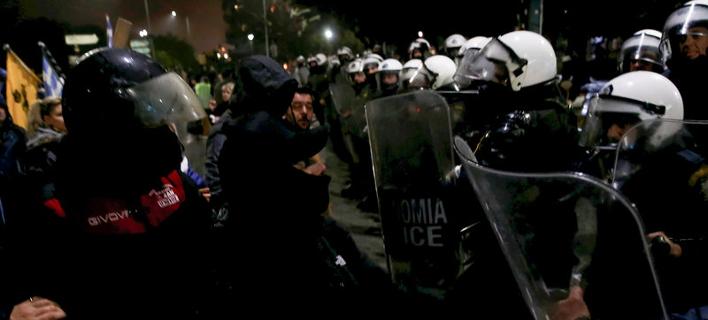 Συγκρούσεις και χημικά μεταξύ διαδηλωτών και ΜΑΤ στη Θεσσαλονίκη -Φωτογραφία: Intimenews/ΤΟΣΙΔΗΣ ΔΗΜΗΤΡΗΣ