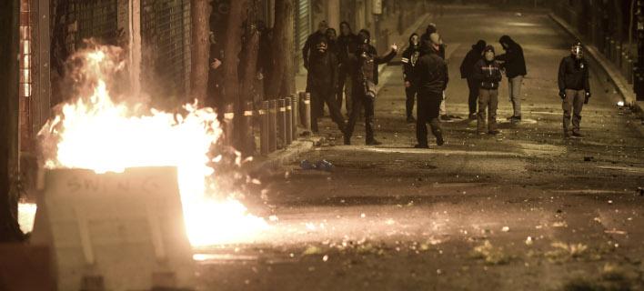 Επιθέσεις με μολότοφ στα Εξάρχεια (Φωτογραφία αρχείου: EUROKINISSI/ΤΑΤΙΑΝΑ ΜΠΟΛΑΡΗ)