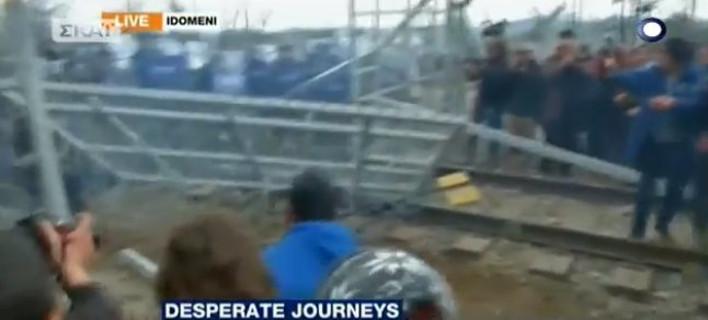 Ειδομένη: Χημικά, δακρυγόνα & πετροπόλεμος για να ανοίξουν τα σύνορα [βίντεο]