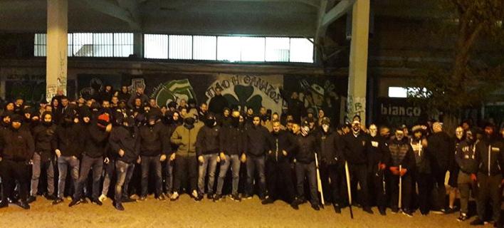 Εικόνες-σοκ στο κέντρο της Αθήνας -Ελληνες, Ολλανδοί και Πολωνοί χούλιγκαν με καδρόνια στα χέρια [εικόνες & βίντεο]