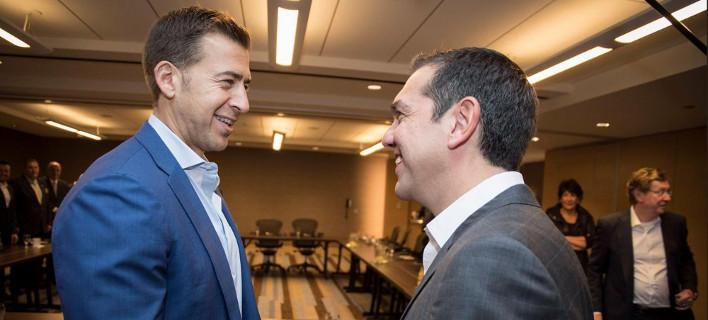 Ο Αλέξης Τσίπρας με επιχειρηματίες στο Σικάγο -Φωτογραφία: twitter