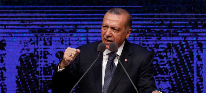 «Τούρκοι» έγιναν στην Αγκυρα με σκληρό δημοσίευμα του Newsweek κατά του Ερντογάν