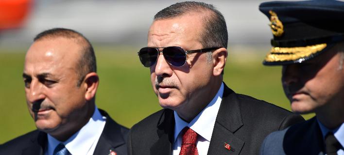 Ερντογάν-Τσαβούσογλου/Φωτογραφία: AP