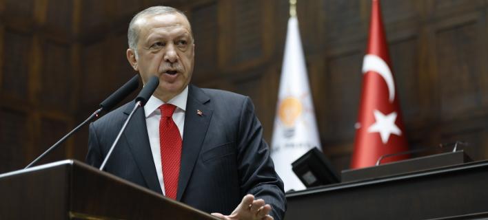 Συνεχίζει απτόητος ο Ερντογάν: Απολύονται πάνω από 18.000 εργαζόμενοι στο δημόσιο