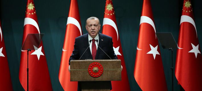 Spiegel: Κίνηση πανικού από Ερντογάν οι πρόωρες εκλογές στην Τουρκία