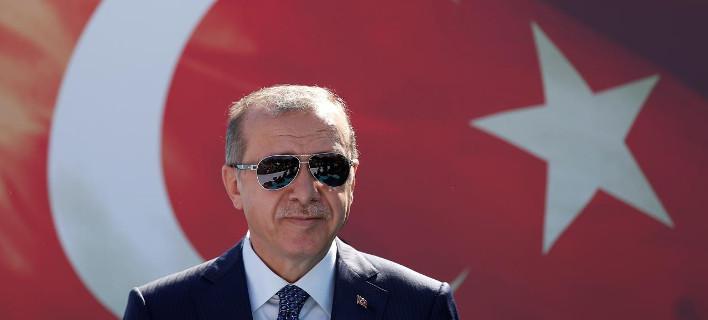 DW: 2.000 Τούρκοι έχουν καταφύγει στην Ελλάδα για να γλιτώσουν από τις εκκαθαρίσεις Ερντογάν