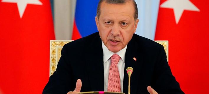 Ερντογάν σε πολίτες: Καταδώστε όσους στηρίζουν τον Γκιουλέν, είναι μικρόβια