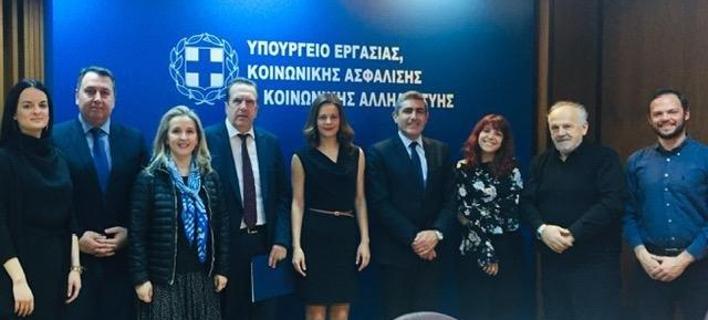 Συνάντηση Αχτσιόγλου-ΕΣΕΕ με επίκεντρο τη ρύθμιση ληξιπρόθεσμων εισφορών